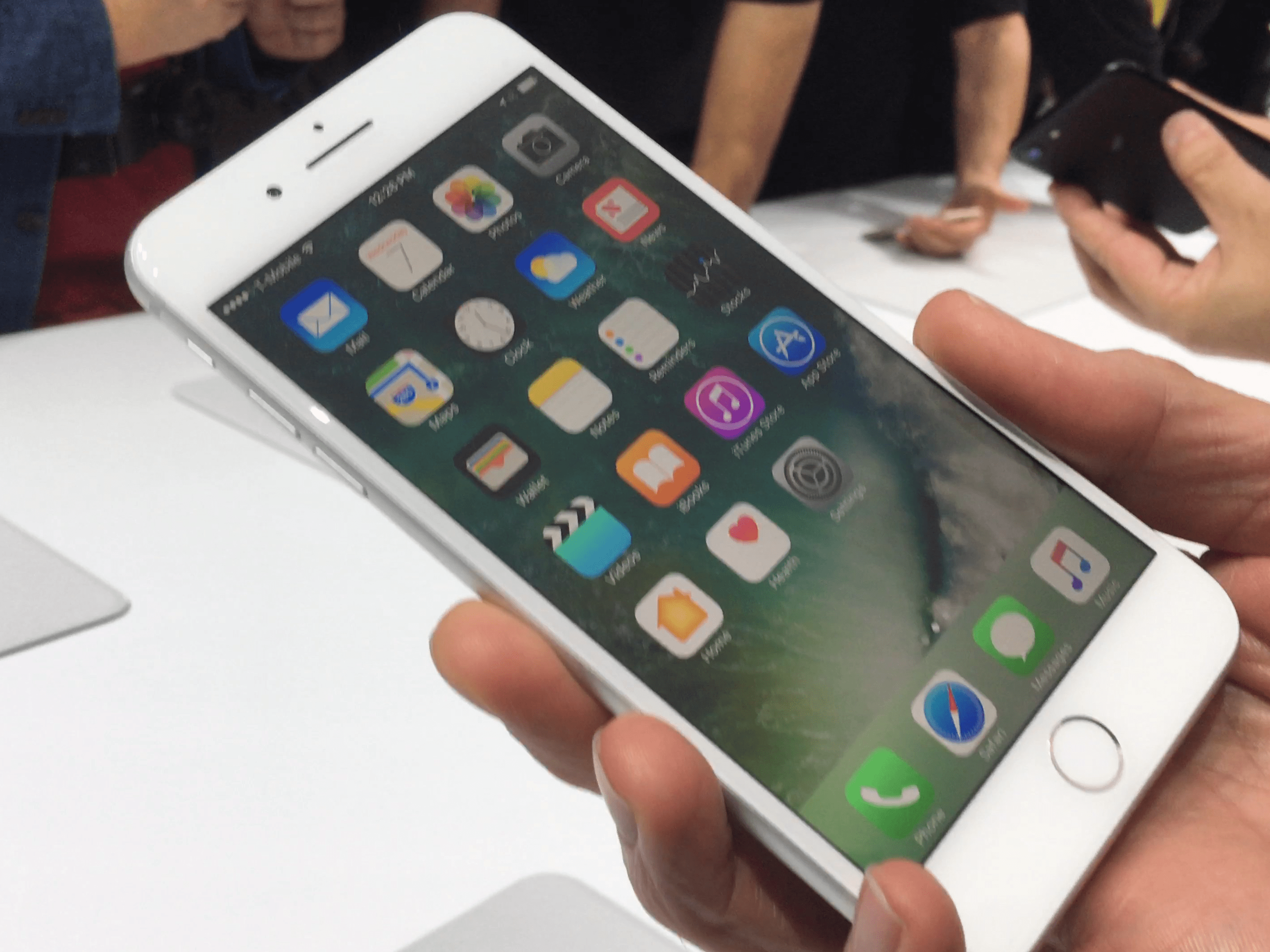 Apple reports on its Italian website about the slowdown of the iPhone