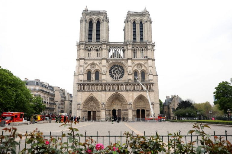Apple will financially support the rebuilding of Notre Dame