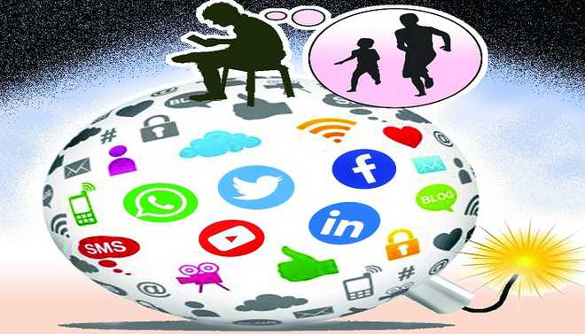 Do social networks isolate us from others?