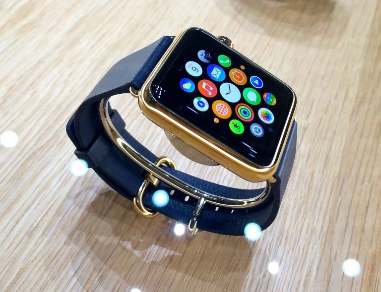 Lux Watch Omni, the gold and diamond Apple Watch