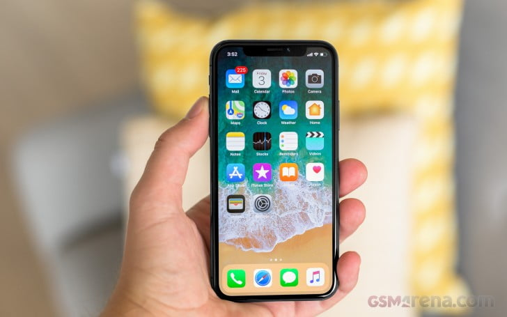 The iPhone X is back in stock and Apple is moving forward with online shipments