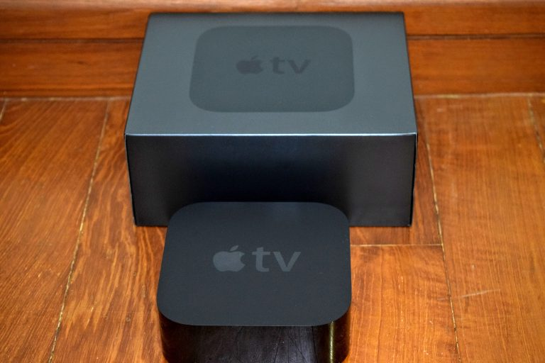 The new Apple TV (2015) and tvOS can be seen on video, first impressions are coming