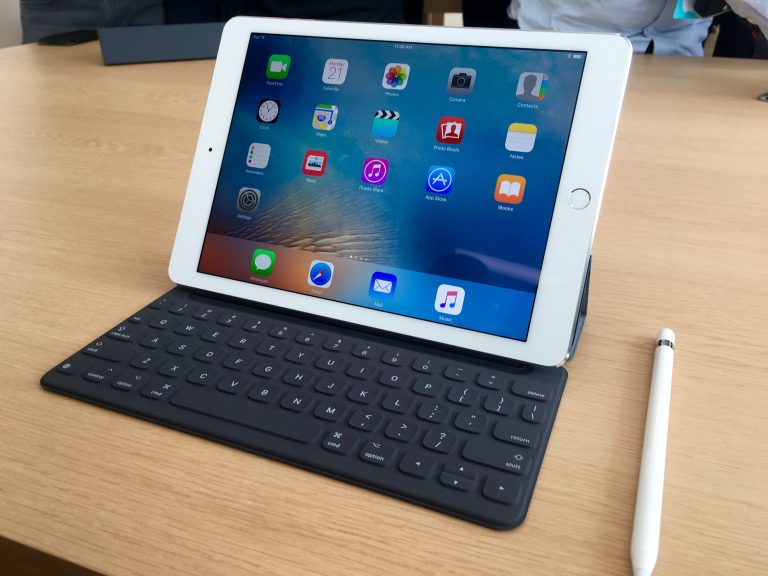 The new iPad Air Pencil ad, dubbed into Spanish