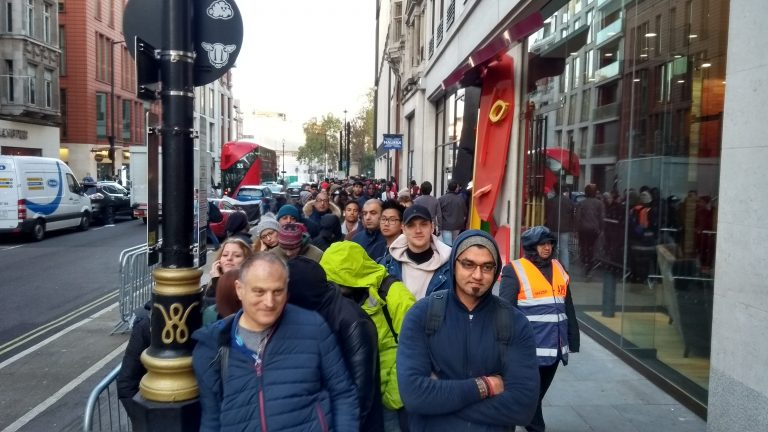 There's already a queue for the new iPhone