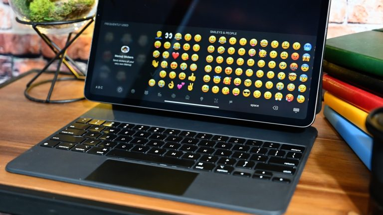 This backlit keyboard turns your iPad into a laptop