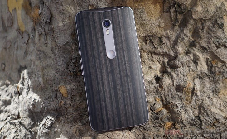 We compare the new Motorola Moto X Style with the iPhone 6