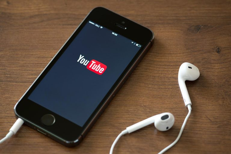 YouTube updates in iOS to integrate with Apple Messages