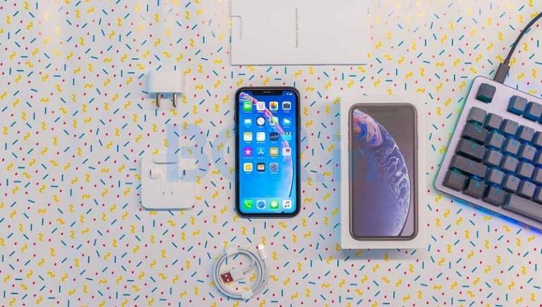 2018 low-cost iPhone with 6.1-inch LCD would not be available until October
