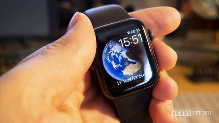 5 Accessories for iPhone, iPad and Apple Watch for the Most Travelers