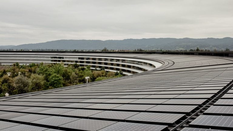 Apple Buys Hydroelectric Plant to Power Its Data Center
