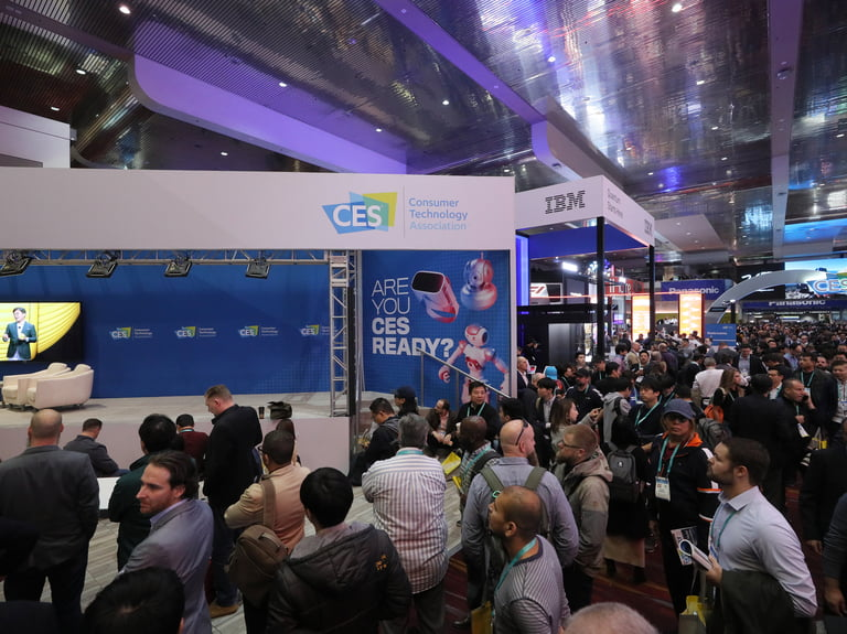 Apple met secretly with augmented reality technology providers at CES 2019