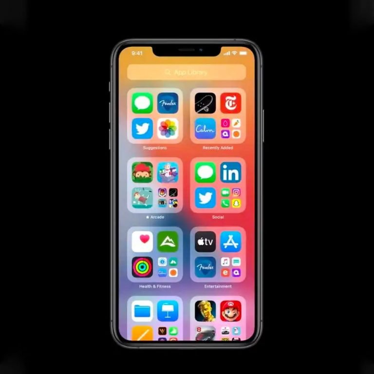 Craig Federighi answers two users giving information about iOS