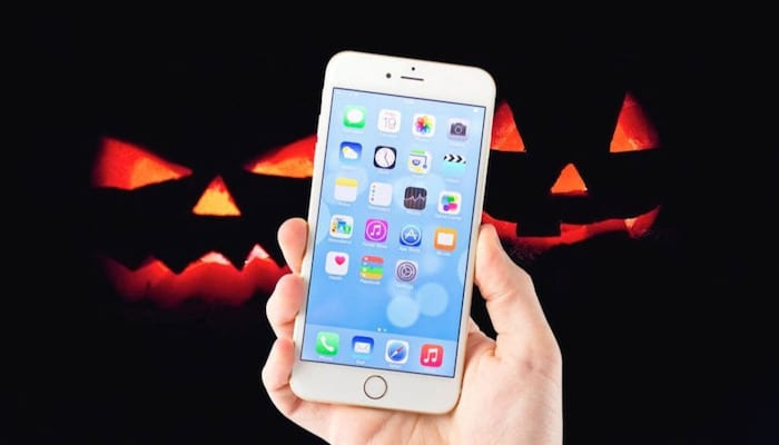 Facebook Launches Backgrounds, Filters and Halloween Games for Your iPhone