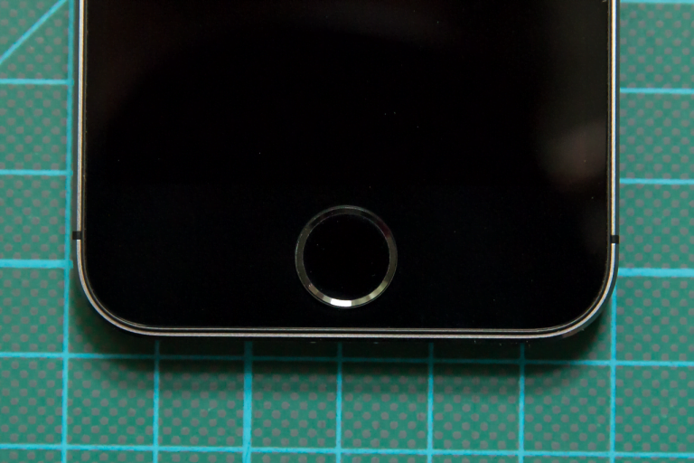 iPhone 5S May Have New Home Button and Dual LED Flash