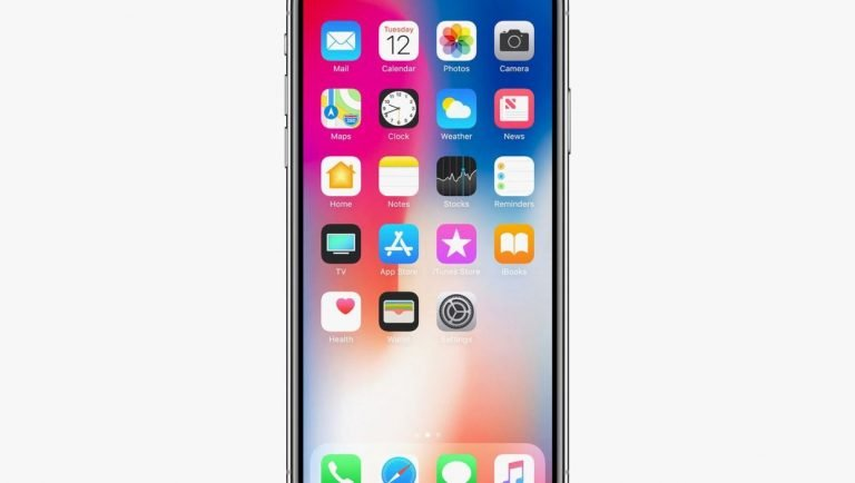 iPhone 6 Plus Takes on HTC and Samsung: Flexibility Test