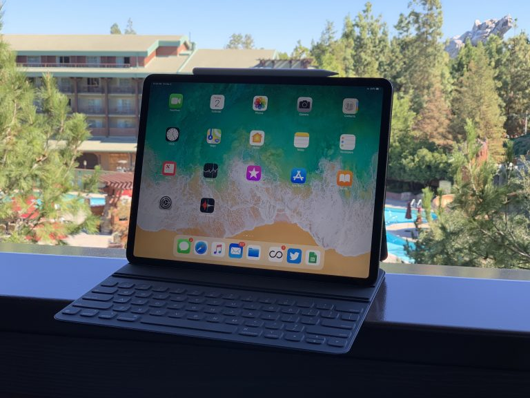 Some chargers give problems with the USB-C port on the iPad Pro's Magic Keyboard