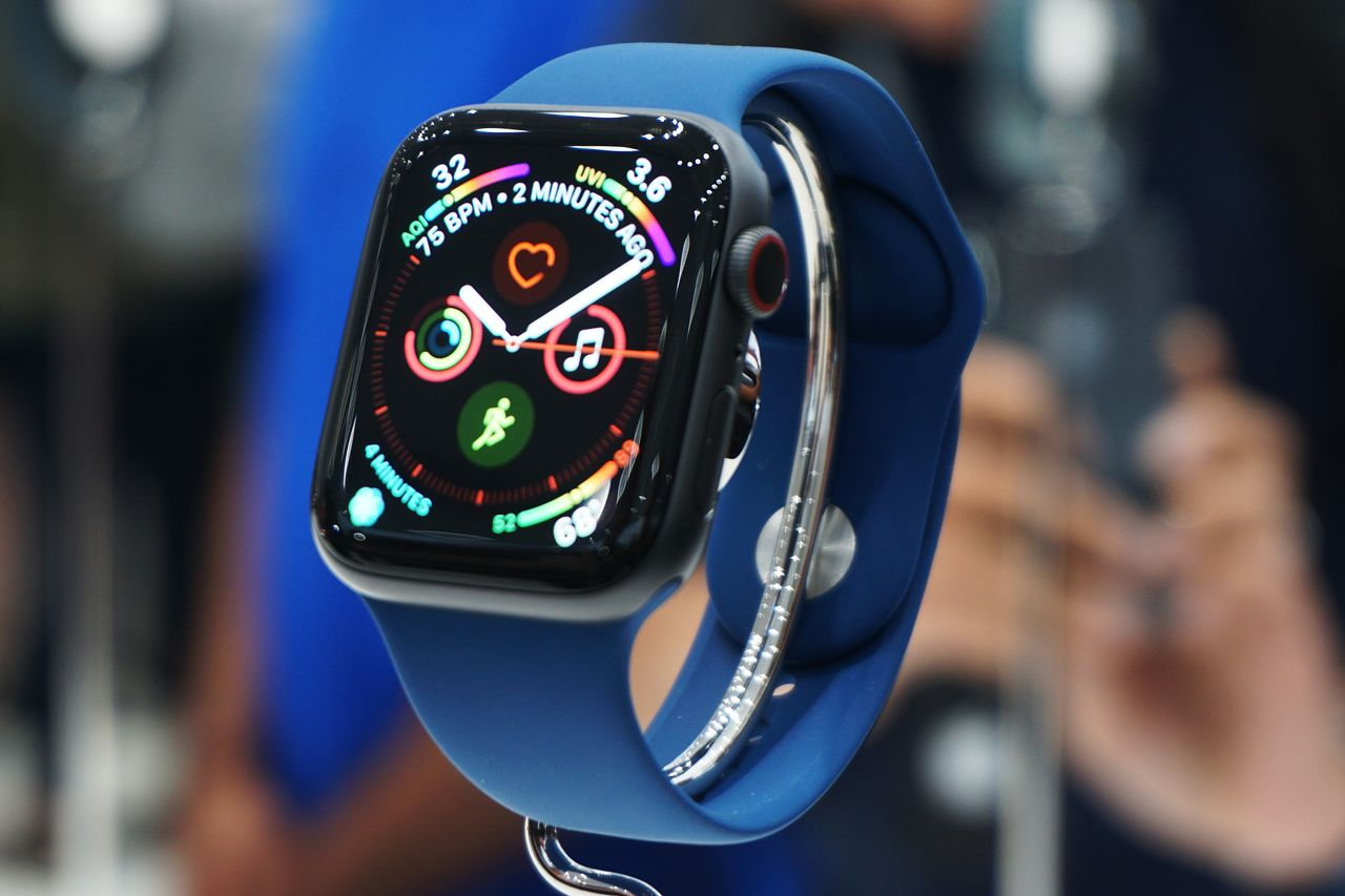 A survey suggests that 10% of iPhone owners will buy an Apple Watch