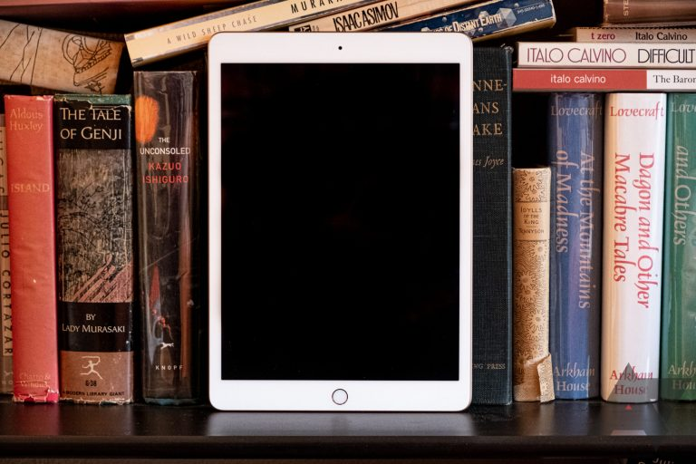 Apple begins selling the refurbished, heavily discounted iPad 2018 in the US