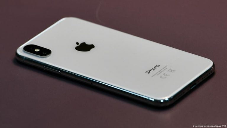 Apple does not change its mind and demands a billion dollars from Samsung for copying the design of the iPhone