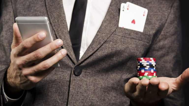 Apple Eliminates Unlicensed Gambling Apps with a Legal Gambling License