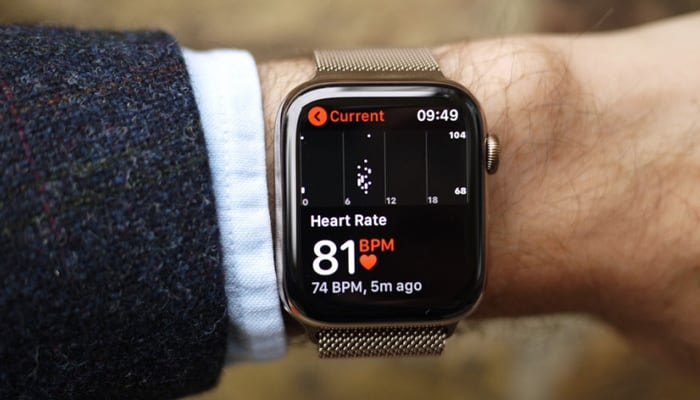 Apple is working on a sleep tracking feature in the Apple Watch coming up in 2020, according to Bloomberg