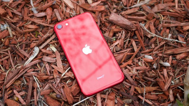 Apple Launches New Smart Battery Case for its Supportive Product (RED) Range