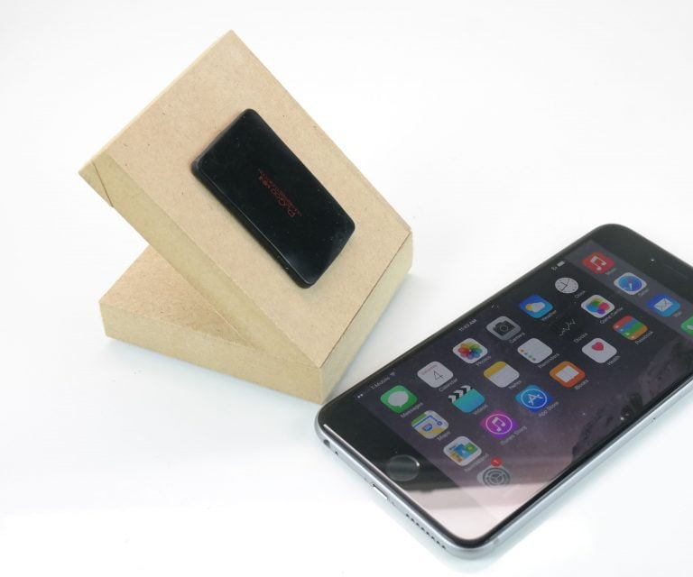 Bevl an aluminium stand that fits perfectly with your iPhone 6 and iPhone 6 plus