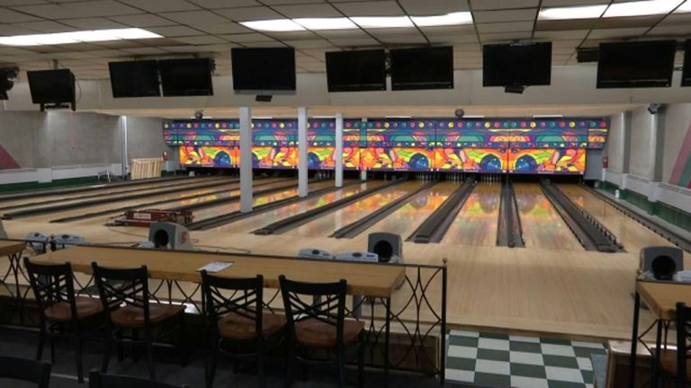 Bowling Central, enjoy this iOS bowling game with or without your Apple TV
