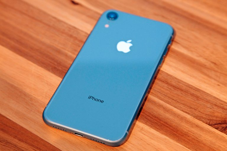 China increases iPhone discounts, including XS