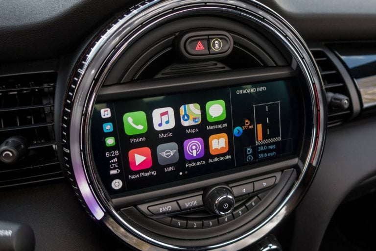 Ford will start supporting the Apple CarPlay system in all its 2017 cars