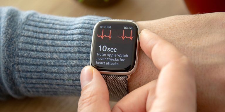 How Apple is blocking the use of the ECG in the Apple Watch Series 4 outside the USA