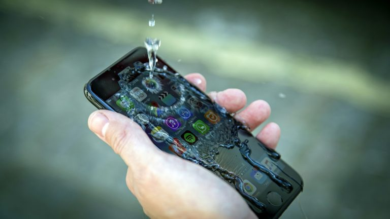 iPhone 5c Explodes and Burns a Student in the US