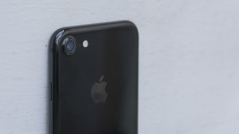 iPhone 7 vs. iPhone 6s: duel of the titans