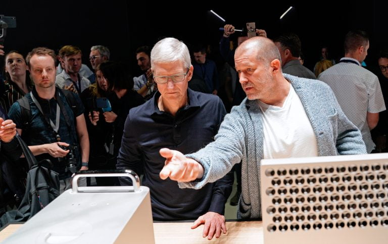 Jonathan Ive claims to know nothing about Apple's profits