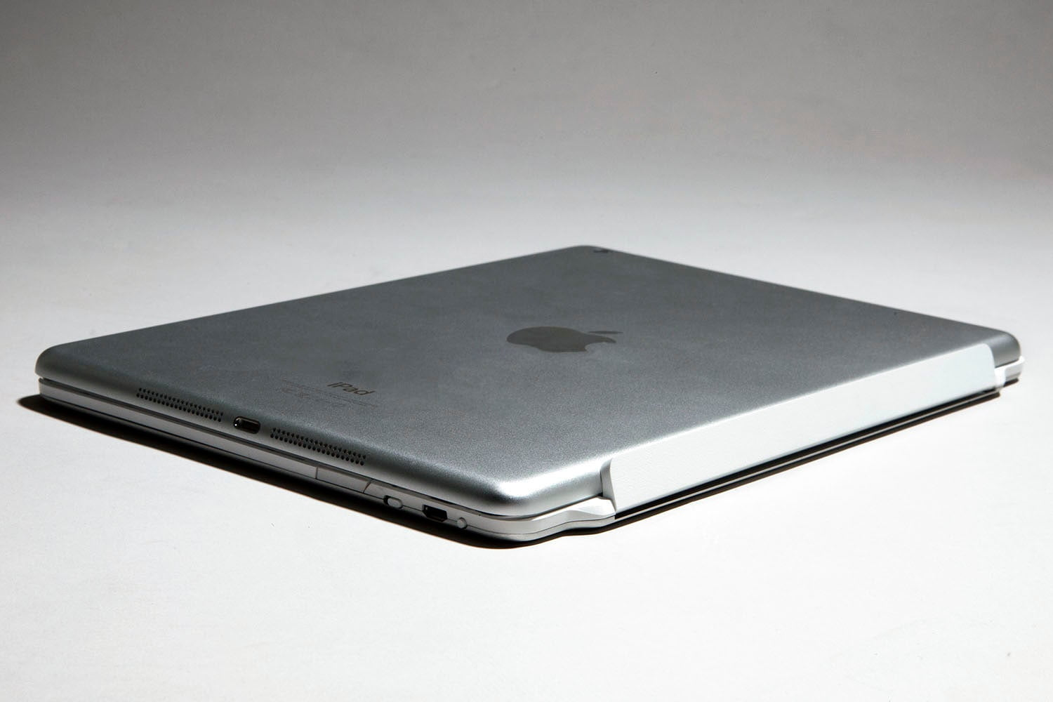 Logitech prepares for the iPad Air with its new Ultrathin range