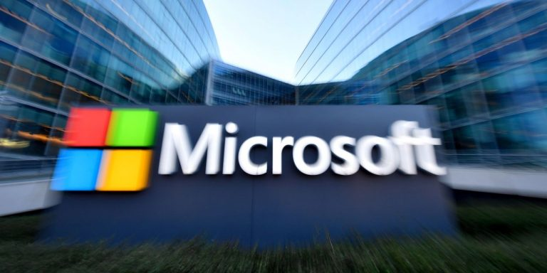 """The Apple Pay strategy or the reissue of Microsoft's """"Embrace, Extend, Extinguish"""