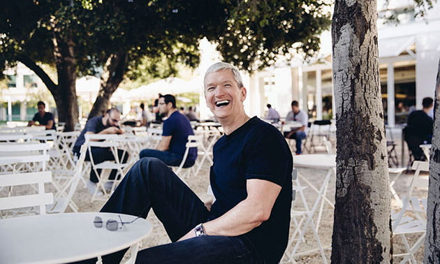 The auction for lunch with Tim Cook this year has closed for $515,000