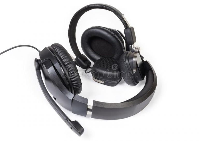 the demonstration that wireless headphones and high-fidelity sound are compatible
