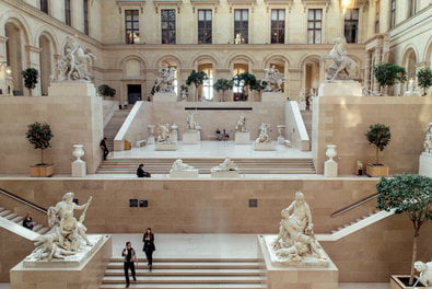 The Louvre's Apple Store, design surrounded by history