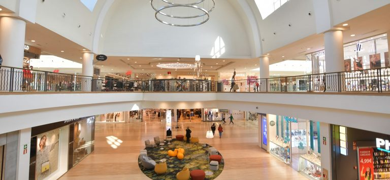 This is the Apple Store in the Xanadu shopping center in Madrid