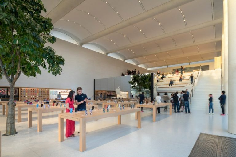 this is the first Apple Store designed by Jonathan Ive