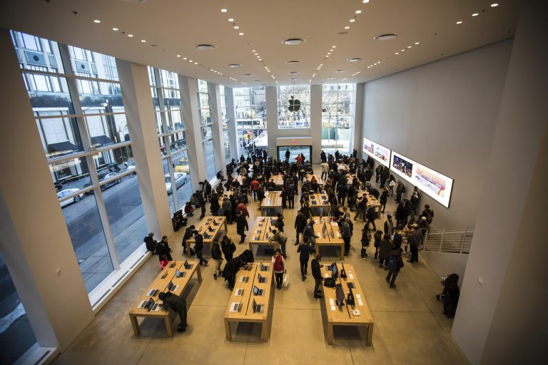 Employee and Apple Stores Data from Apple's Latest Results Conference
