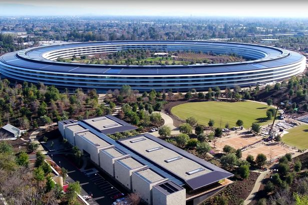"""New images of Apple's """"spaceship"""", the new Apple campus in Cupertino"""